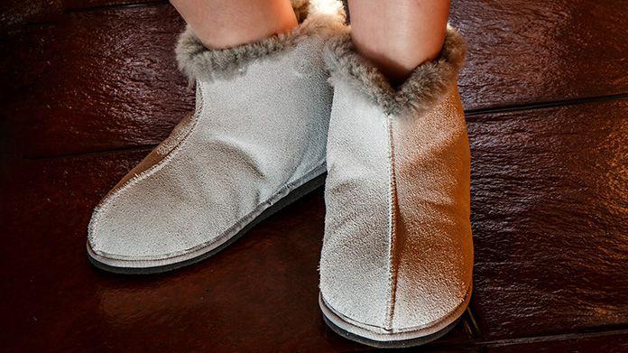 10 Best Comfortable Sheepskin Slippers